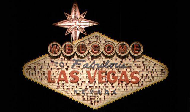 карточные домики, самые большие карточные домики, самые в мире карточные домики, карточные домики Брайана Берга