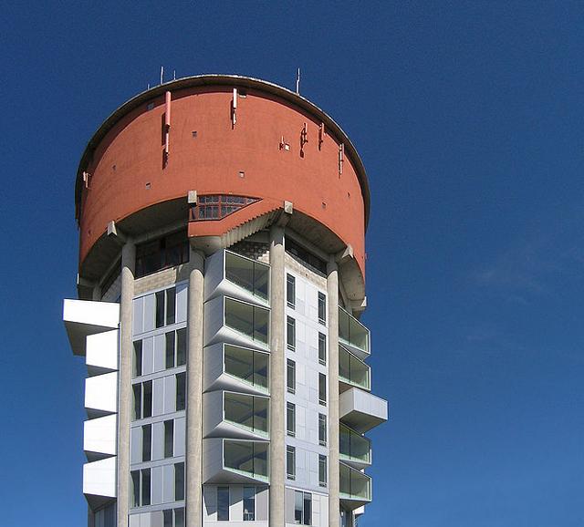 Дом из водонапорной башни, дом на водонапорной башне, фото