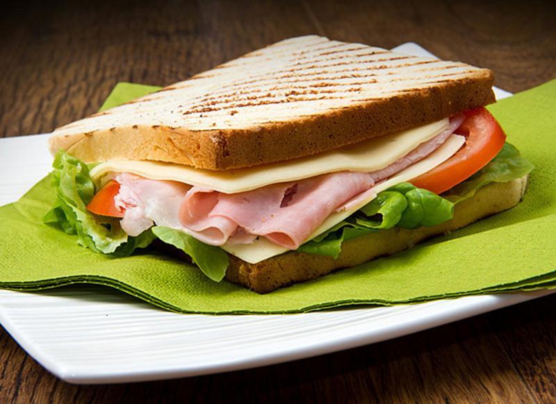 Сэндвич с беконом, фото