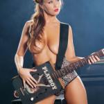 Zvezda rok-n-rolla Leanna Decker 21